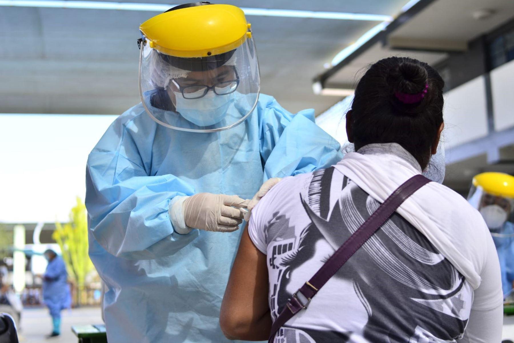 Tacna inicia campaña para aplicar segunda dosis de la vacuna contra el covid-19. Foto: ANDINA/difusión.