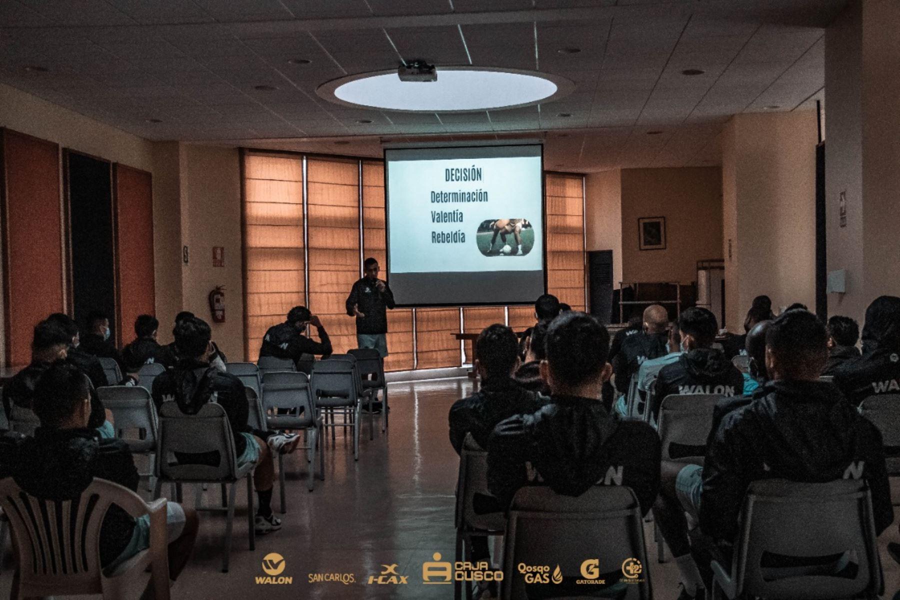 Jugadores del Cusco FC apelan al coaching deportivo para afrontar la Fase 2