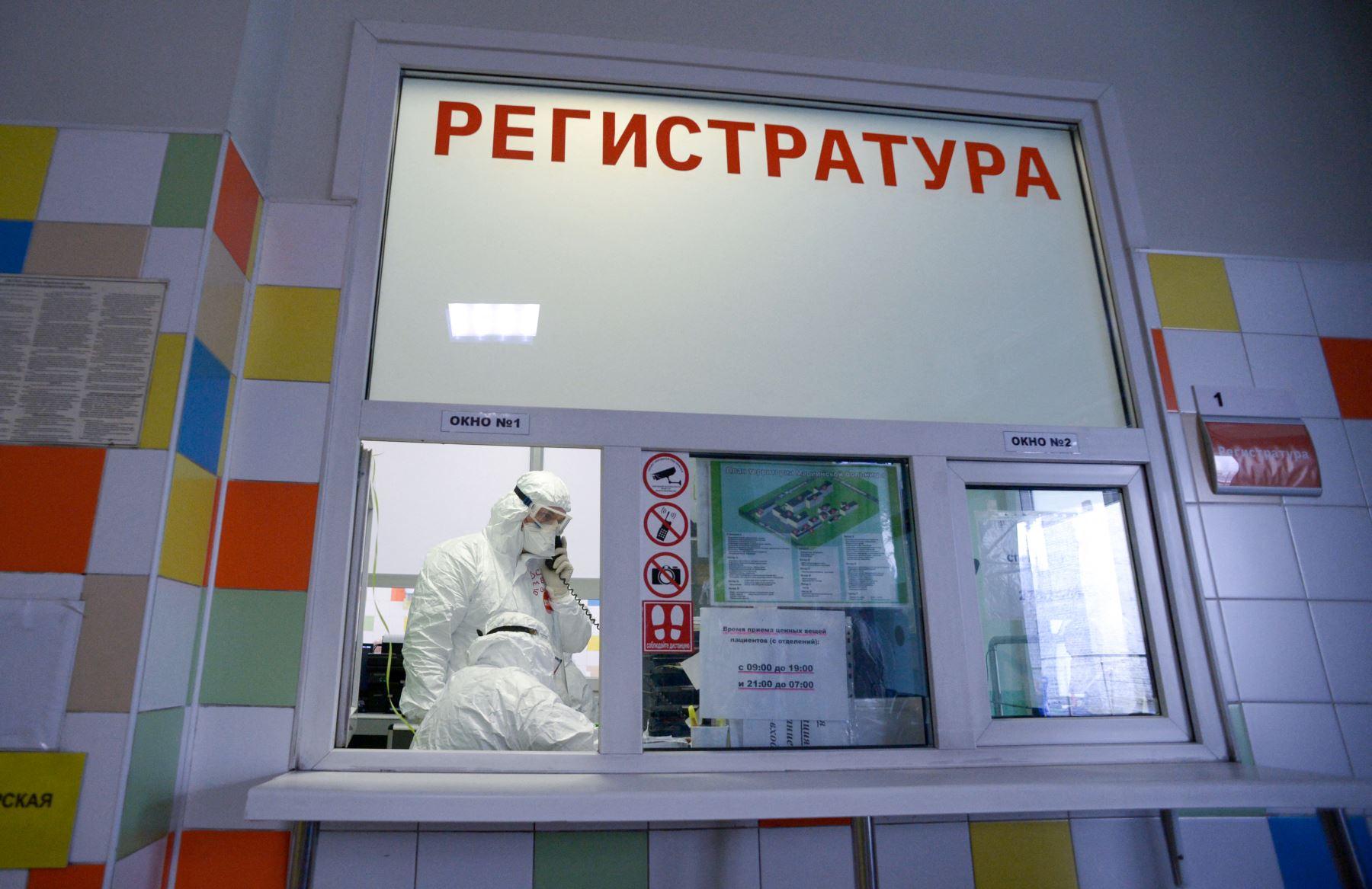 Rusia registra 780 muertes por covid-19, un récord desde inicio de la pandemia
