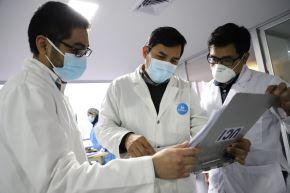 Colegio Médico del Perú respalda su inoculación en el país porque ayuda a reducir las hospitalizaciones y fallecimientos.  Foto: ANDINA/Difusión