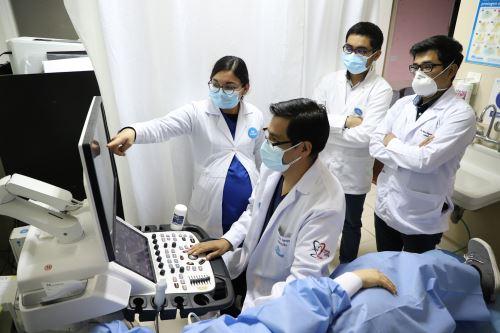 Personal de salud. ANDINA/Difusión