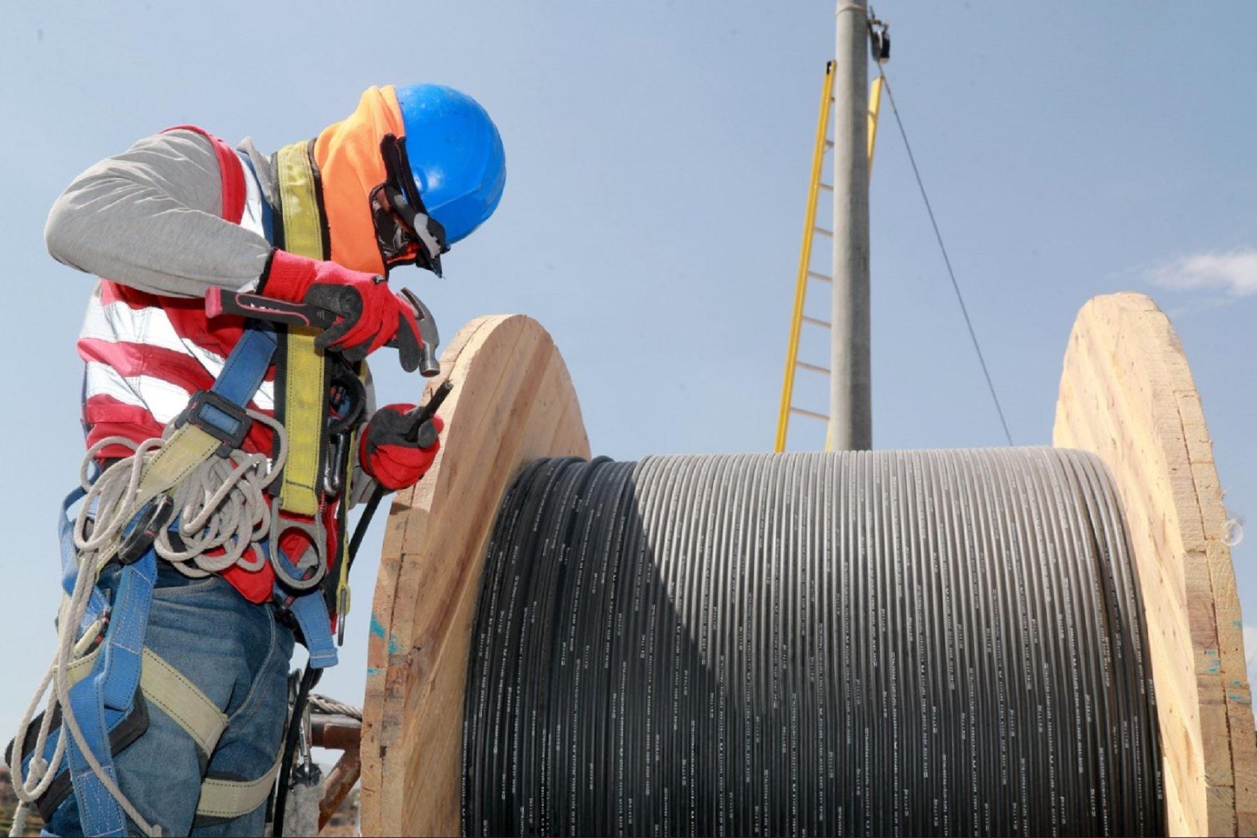 MTC decide resolver contrato de concesión de Red Dorsal Nacional de Fibra Óptica