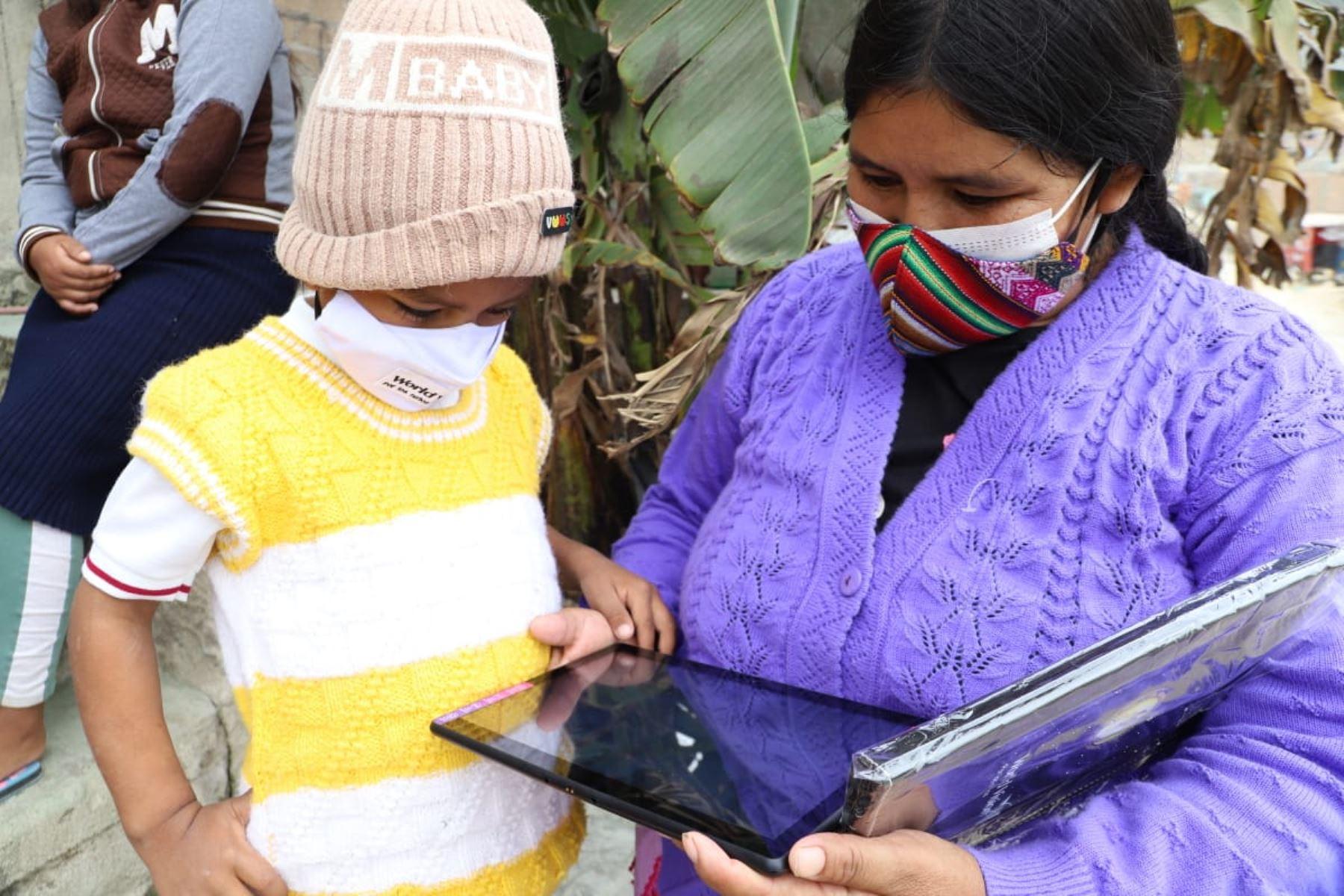 Región Lima: entregarán tabletas con acceso a Internet a escolares de Chancay  y Huaral