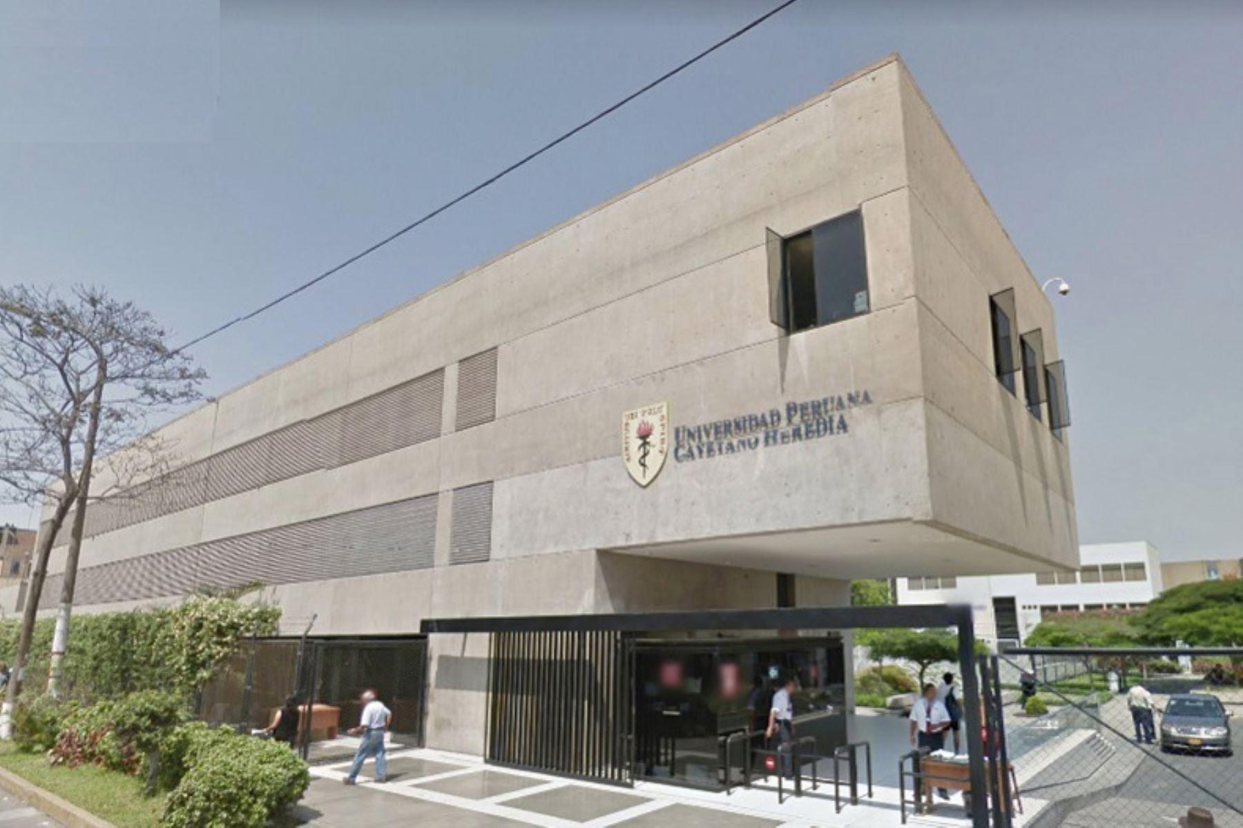 Universidad Cayetano sanciona a responsables del estudio Sinopharm