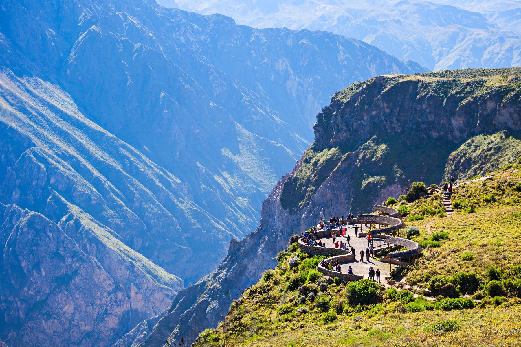 Cañón del Colca, ubicado en la provincia arequipeña de Caylloma, y considerado el segundo más profundo del planeta. Foto: ANDINA/MINCETUR