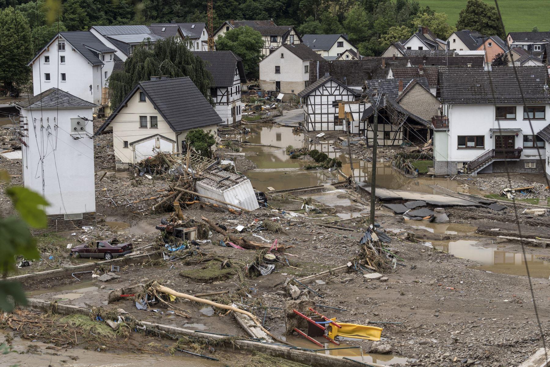 Alemania registra al menos 103 muertos y busca a desaparecidos en catástrofe
