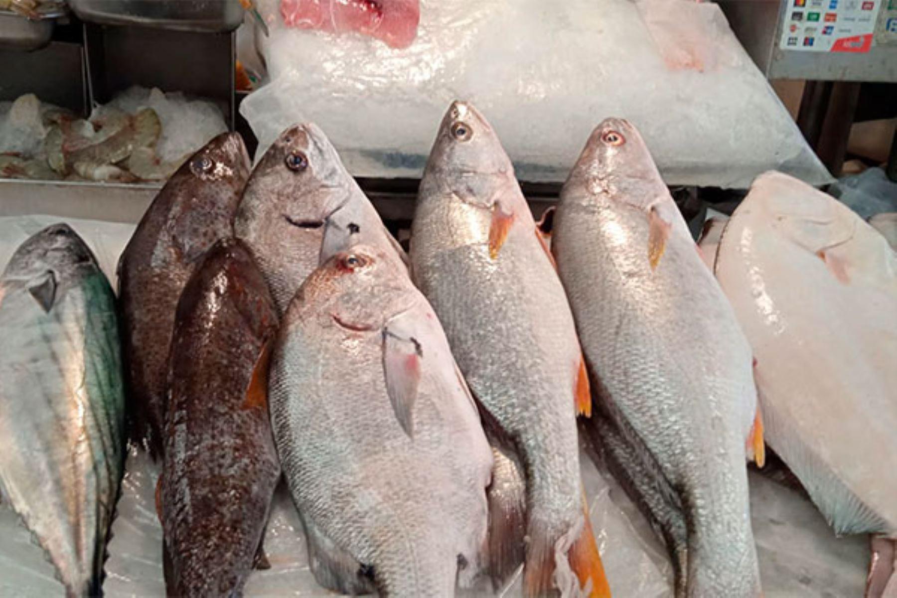 Nutricionistas recomiendan consumir pescado ante el alza del pollo y la carne en mercados
