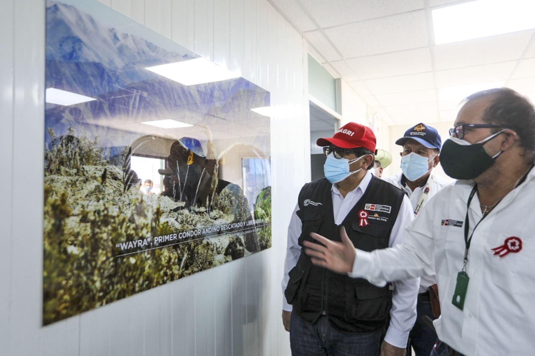Ministro Federico Tenorio pone en marcha moderno puesto de control de Serfor en Arequipa