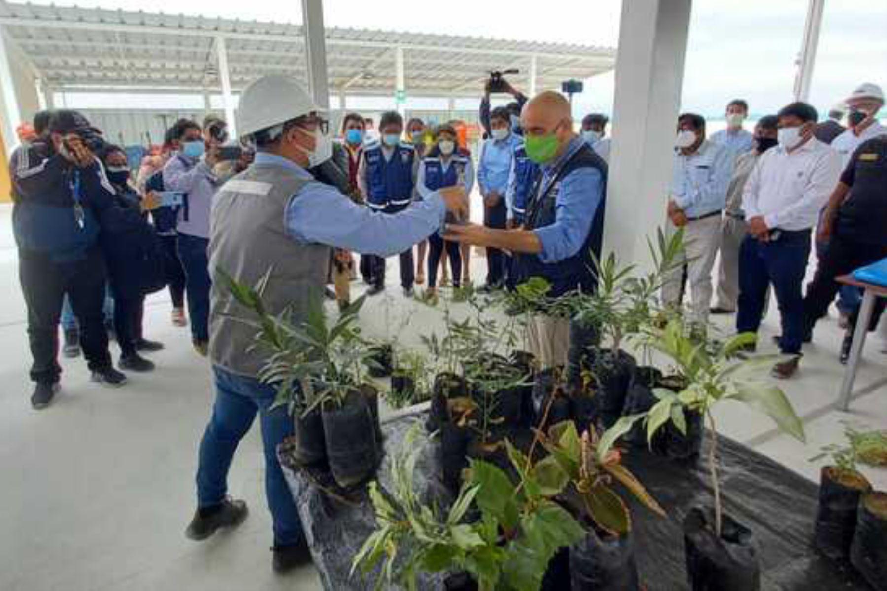 Minam inaugura relleno sanitario y planta de valorización de residuos en Sechura
