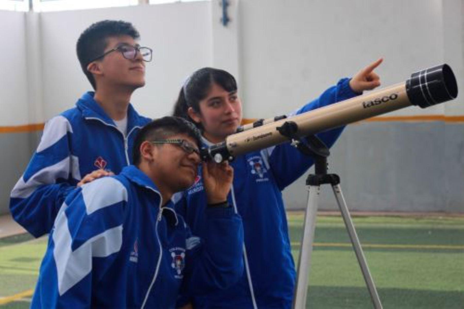 ¿Te apasiona estudiar el Universo? participa en esta Olimpiada Escolar de Astronomía