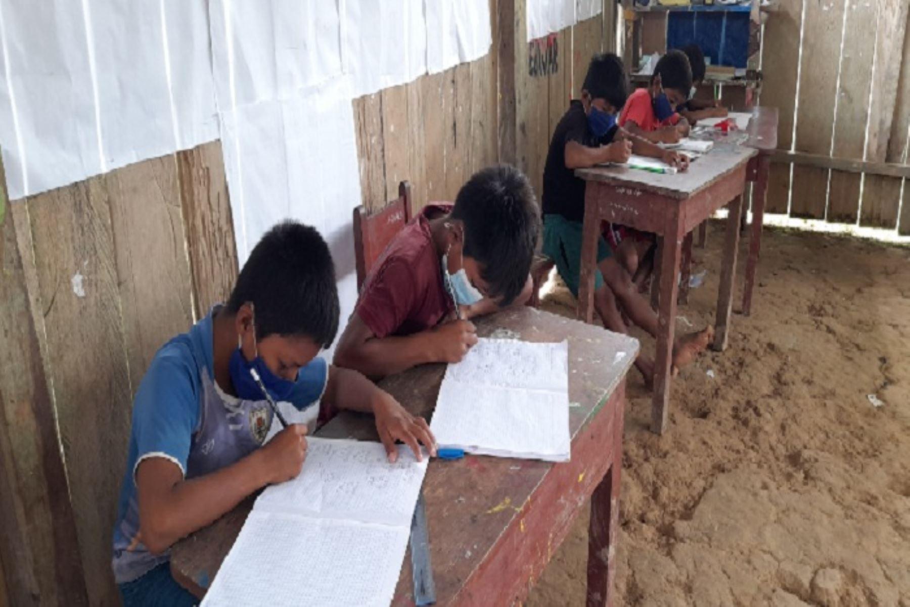 Juntos combatirá deserción escolar en comunidades originarias fronterizas de Amazonas