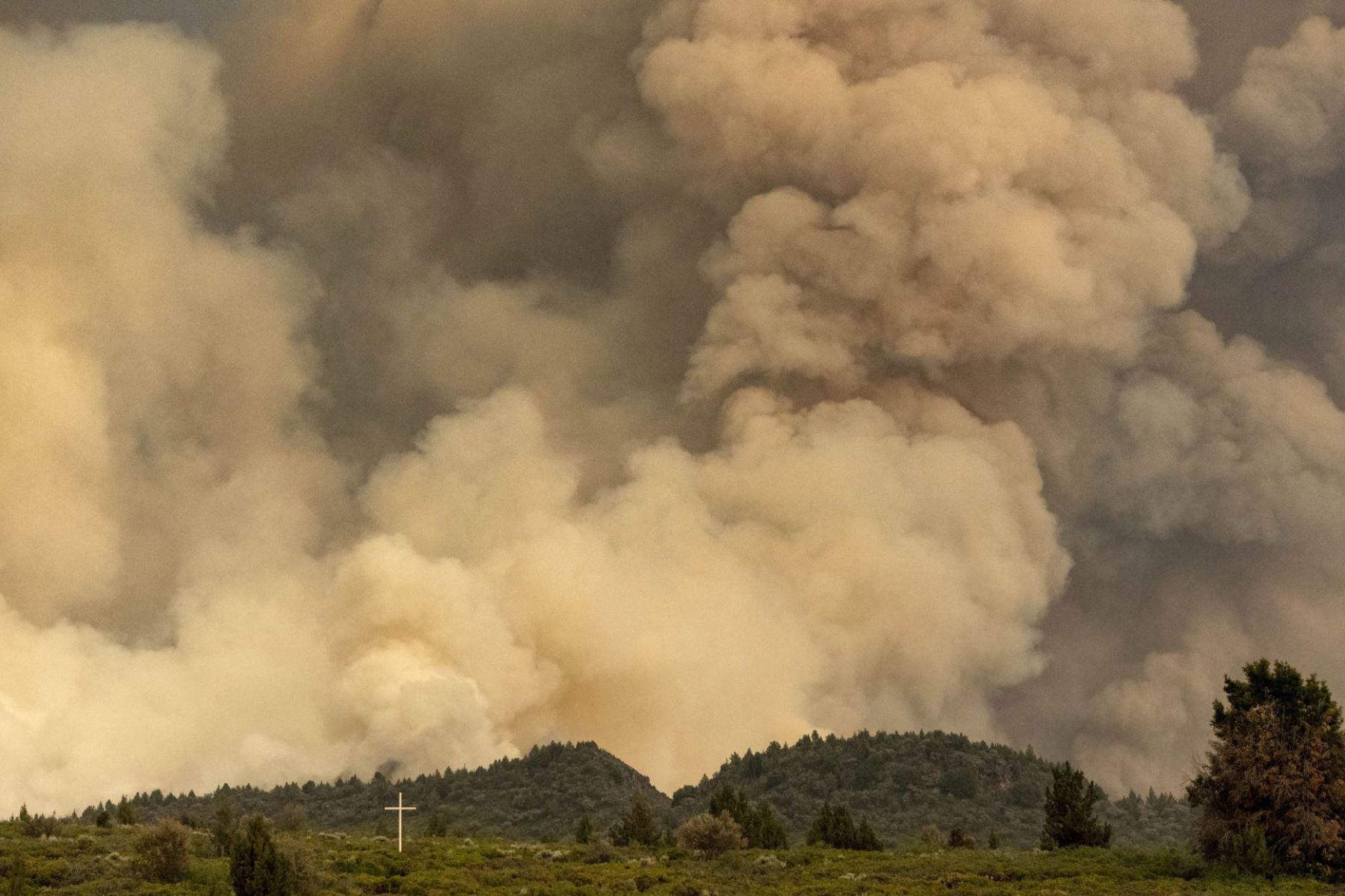Es probable que la situación empeore durante el fin de semana, a pesar de la movilización de casi 2.000 bomberos. Foto: AFP