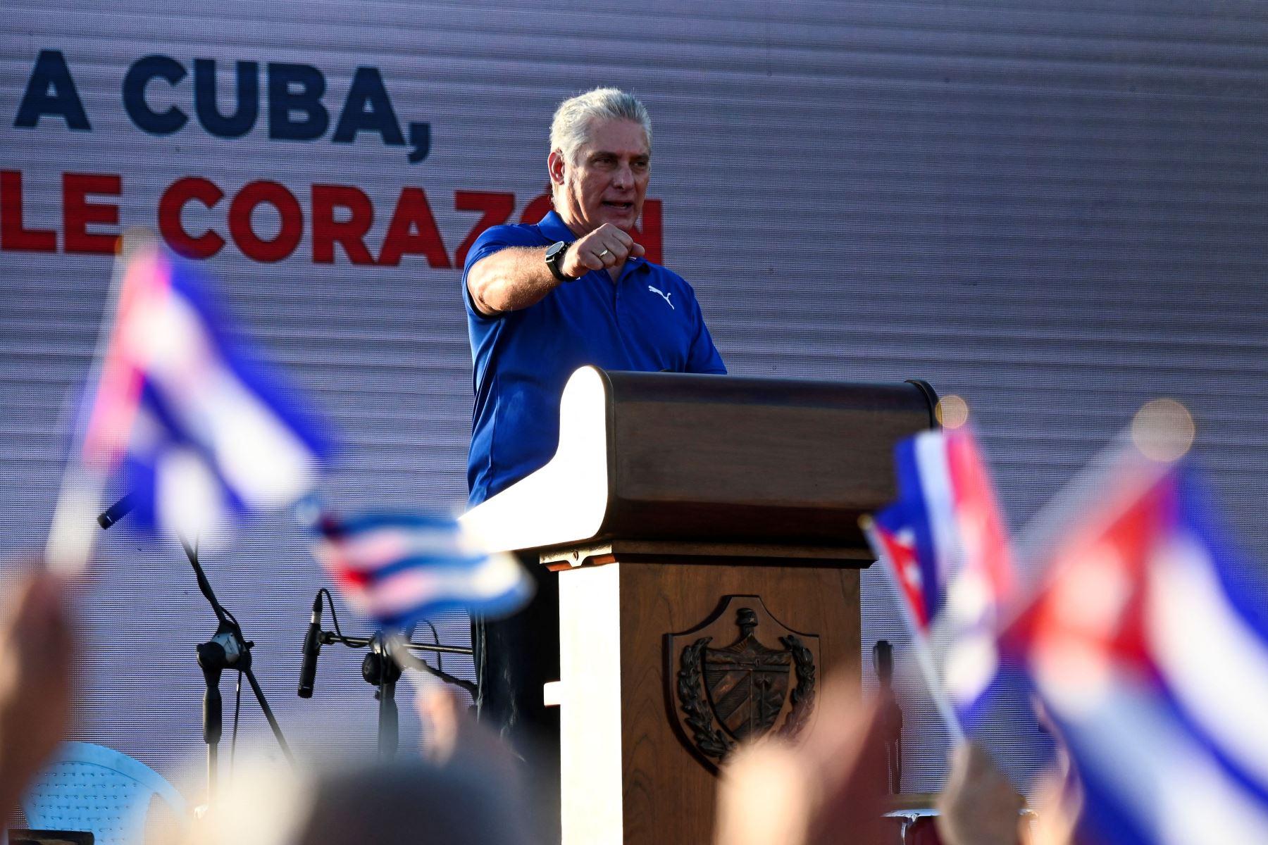 """Presidente de Cuba denuncia difusión de \""""mentiras\"""" sobre protestas en el país"""