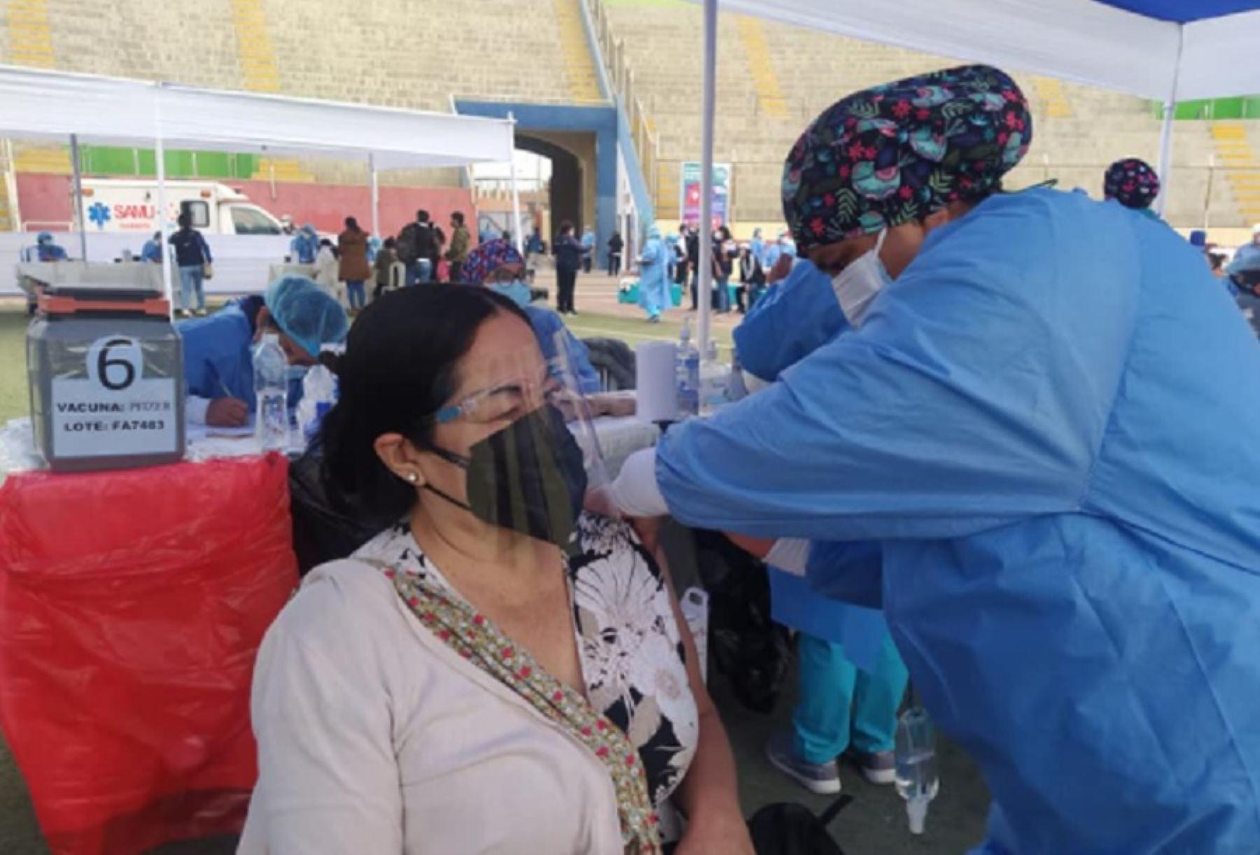 Vacunatón en Chimbote: hoy empieza jornada de vacunación por 24 horas ininterrumpidas