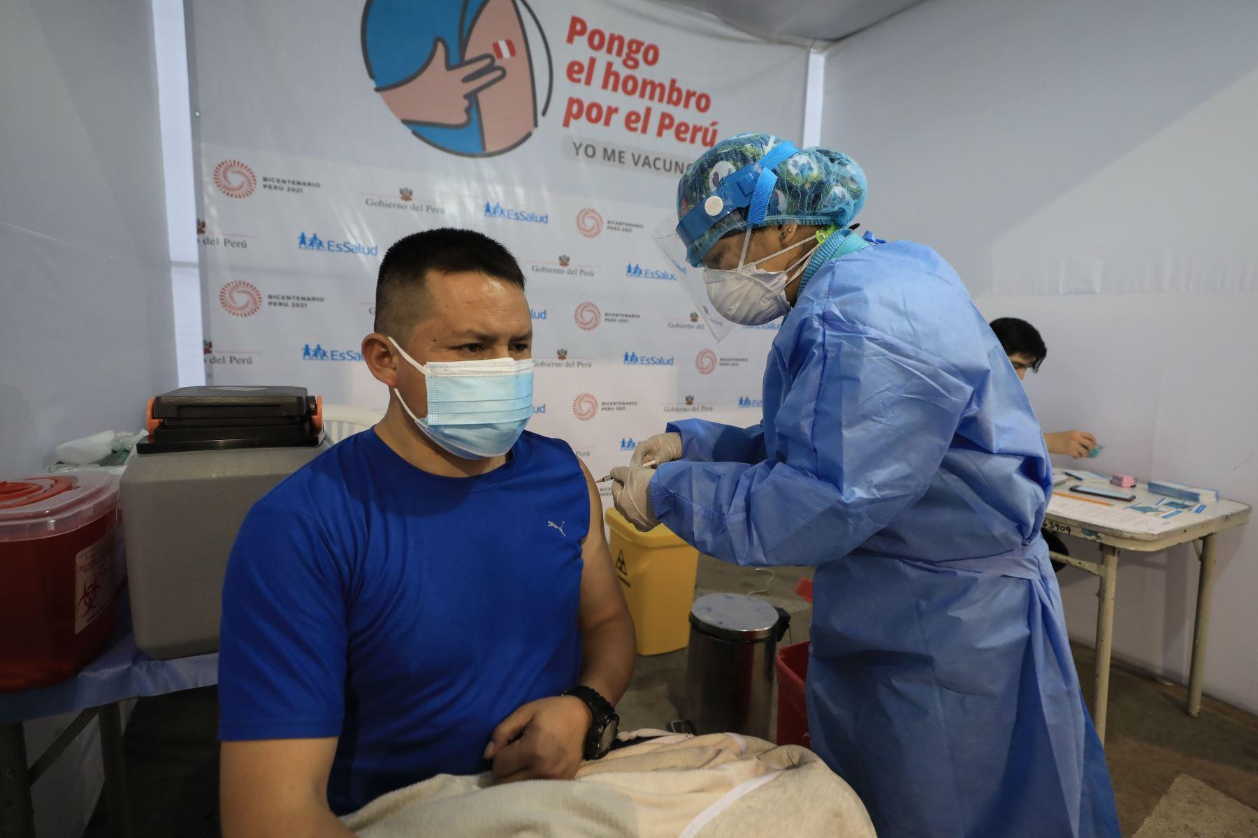 Campaña de vacunación contra la covid-19. Foto: ANDINA/Difusión.
