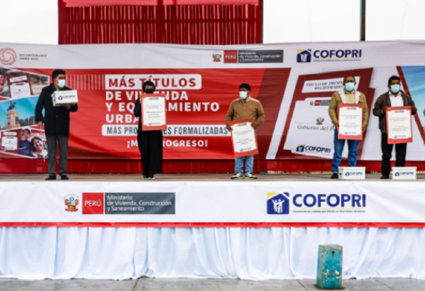 Ica: Cofopri entrega 3,311 títulos de viviendas y equipamientos urbanos