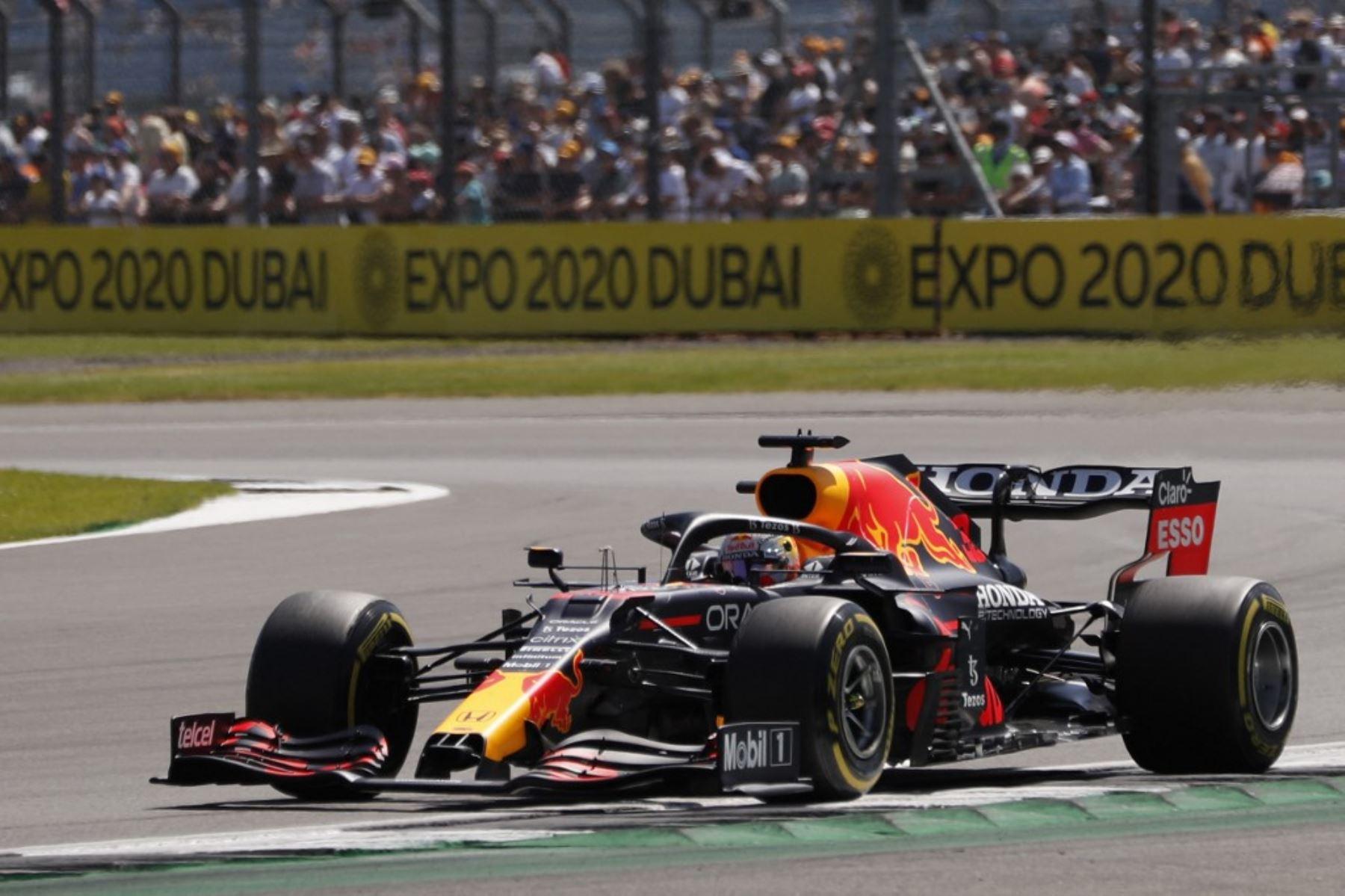Verstappen abandona GP de Gran Bretaña de F1 tras choque con Hamilton