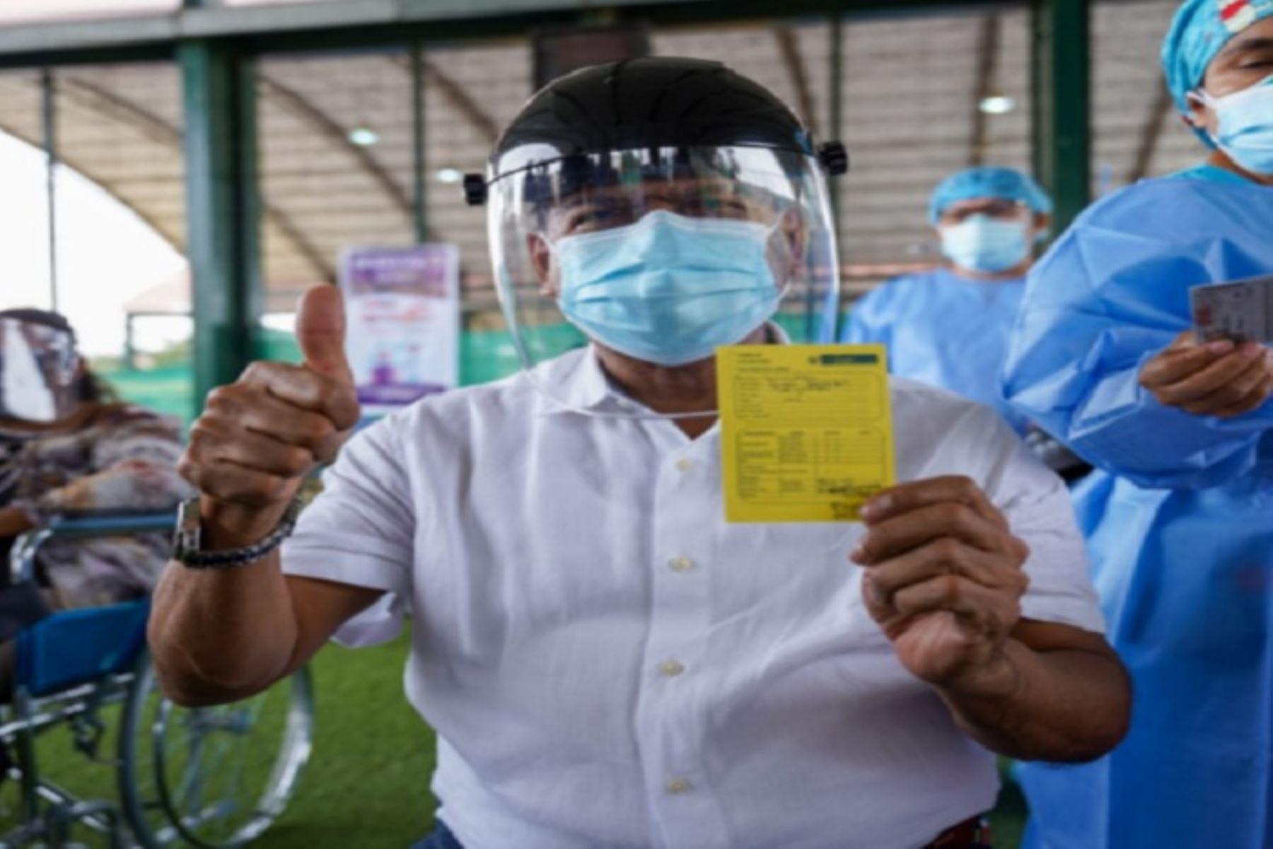 La próxima semana iniciaría la vacunación al grupo etario de 40 años a más, tras las coordinaciones con el ministro de Salud, Óscar Ugarte.
