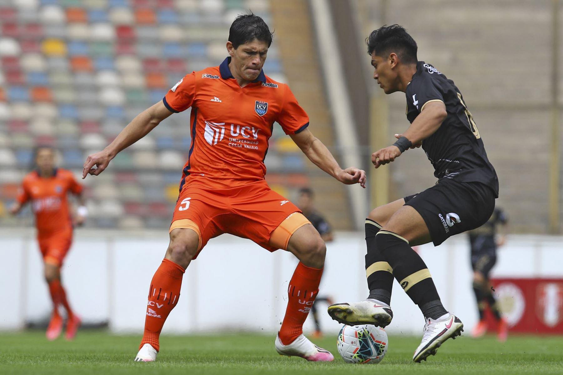 E. Ciucci de Cesar Vallejo se enfrenta ante la marca de Cusco FC por la primera fecha de la Liga 1, en el estadio Monumental. Foto: Liga 1