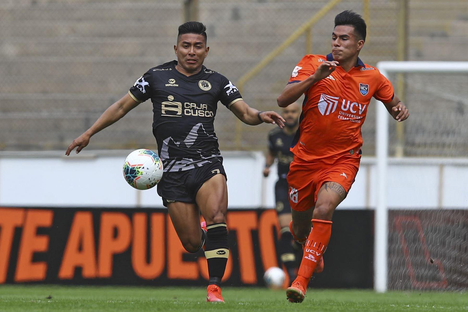 Universidad Cesar Vallejo se enfrenta a Cusco FC por la primera fecha de la Liga 1, en el estadio Monumental. Foto: Liga 1