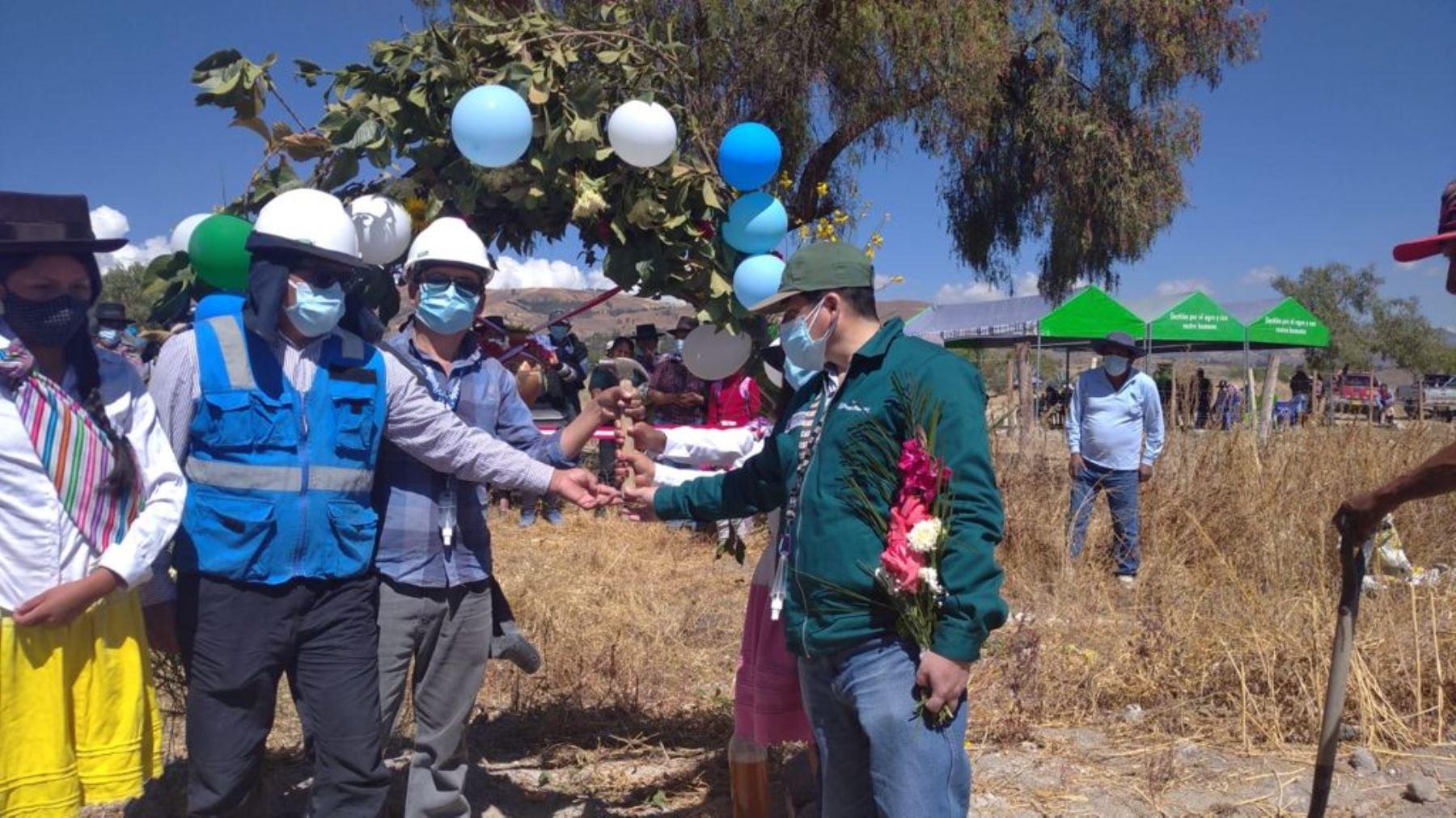 Ayacucho:Midagri instala sistema de riego en Tambillo y mejorar agricultura familiar
