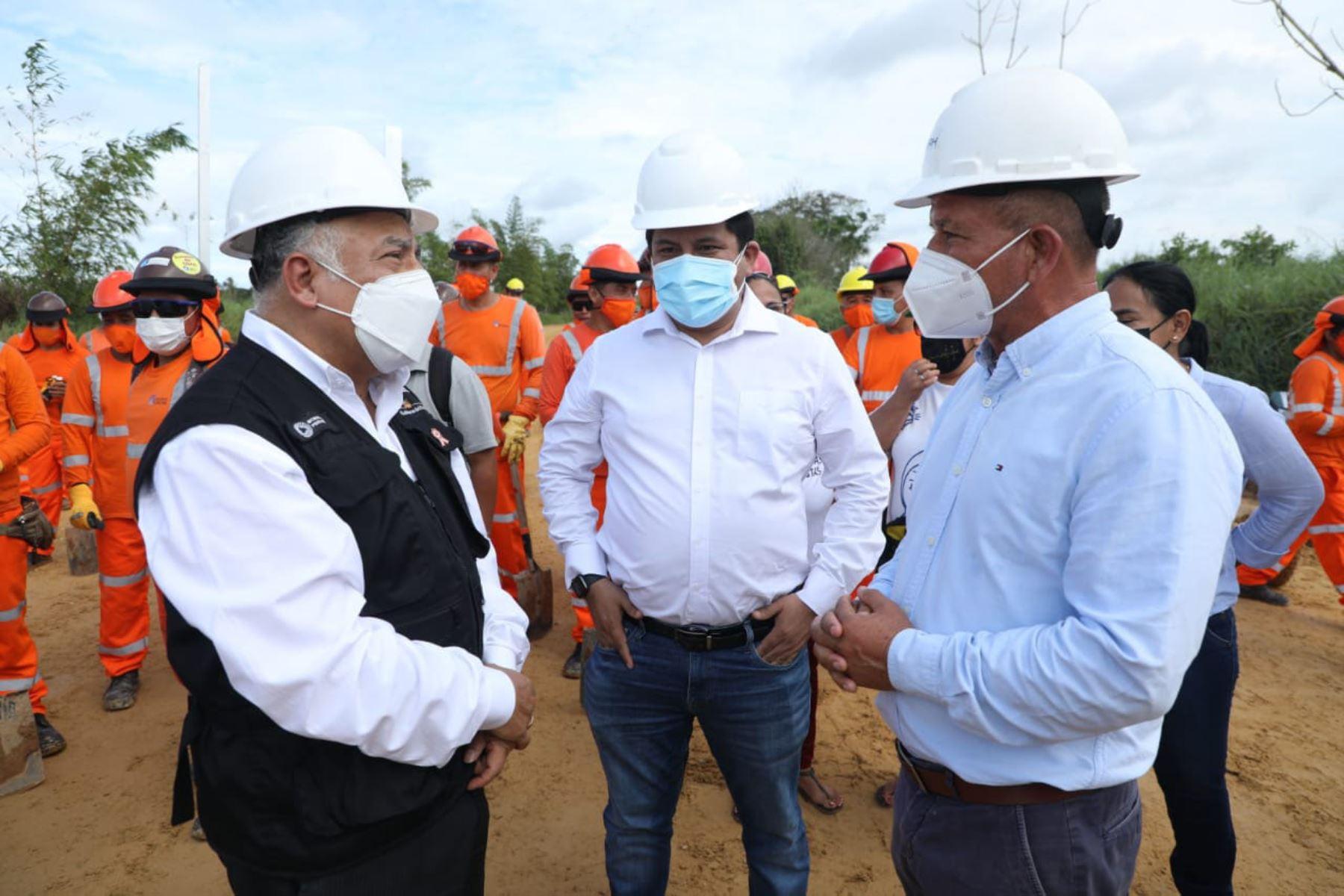 Ministro González supervisó trabajos en la carretera Yurimaguas-Munichis