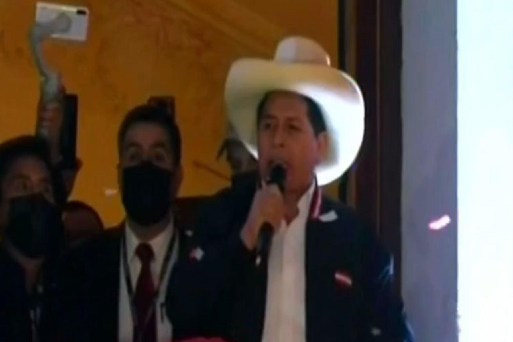 Pedro Castillo formula llamado a la unidad de los peruanos