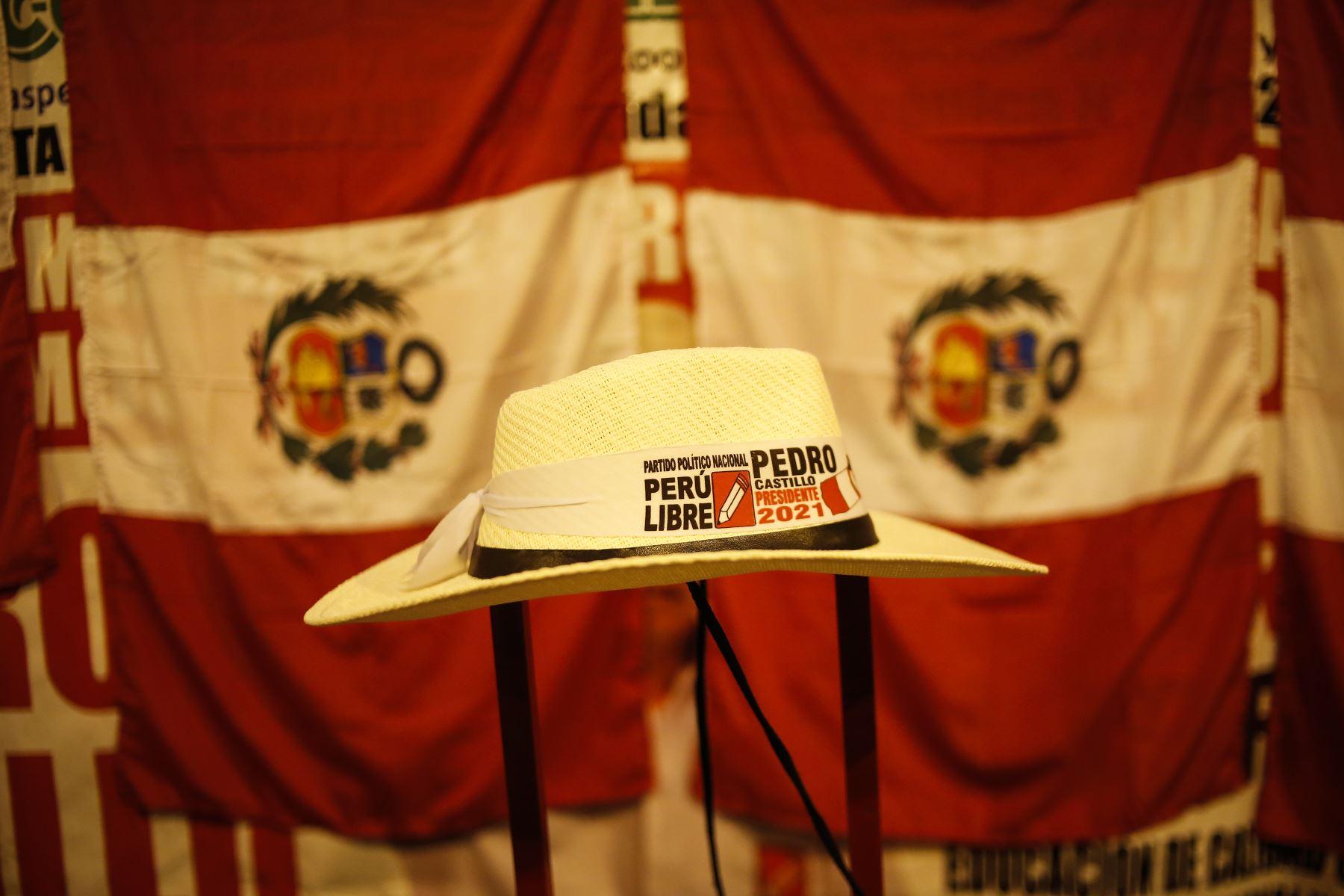 El electo presidente de la República, Pedro Castillo Terrones, hizo un llamado a la unidad de los ciudadanos y anunció un gobierno justo, soberano y digno para todos los peruanos. Foto: ANDINA/Renato Pajuelo