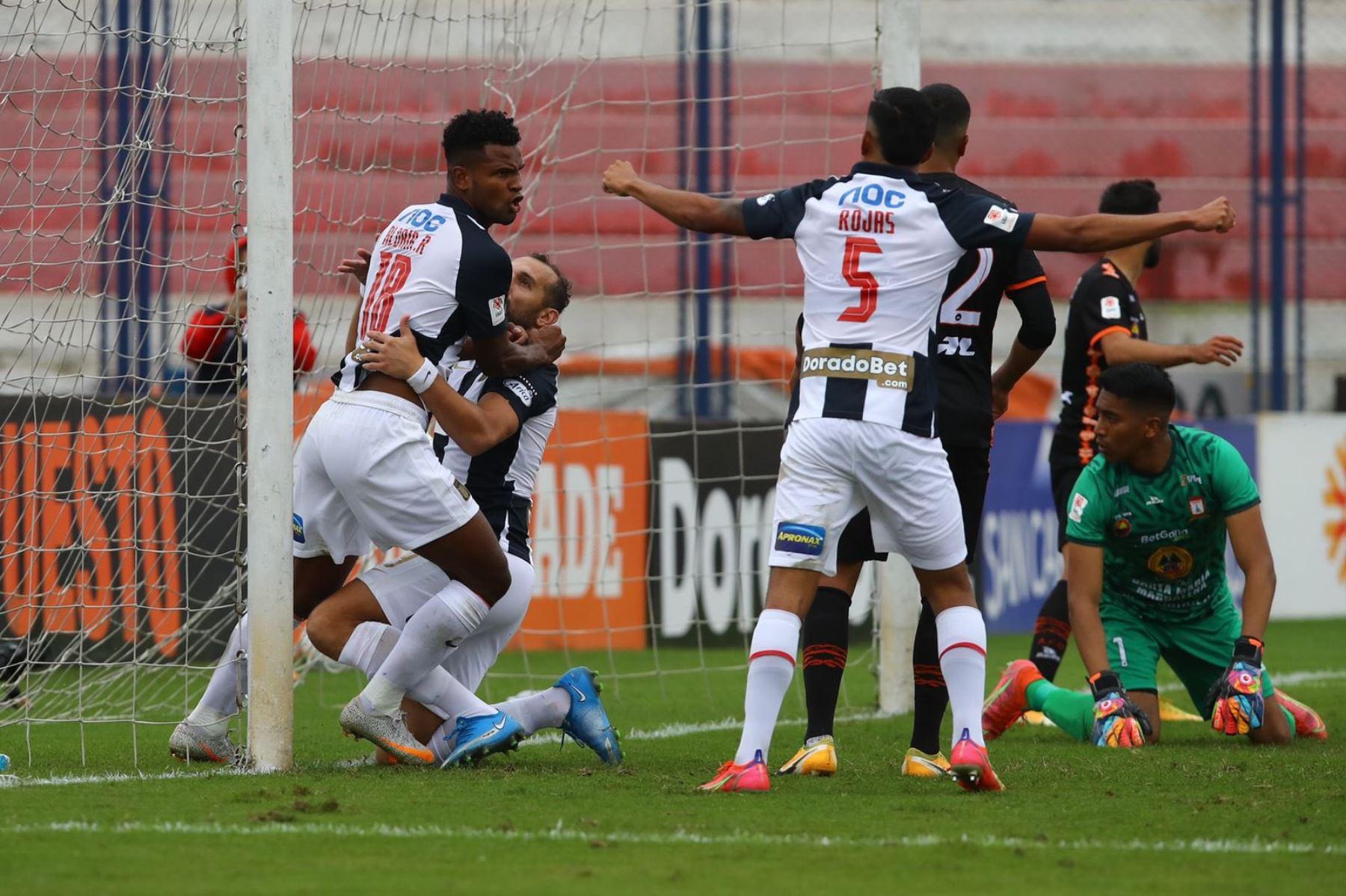 Aldair Rodíguez convierte su primer gol con la camiseta de Alianza Lima