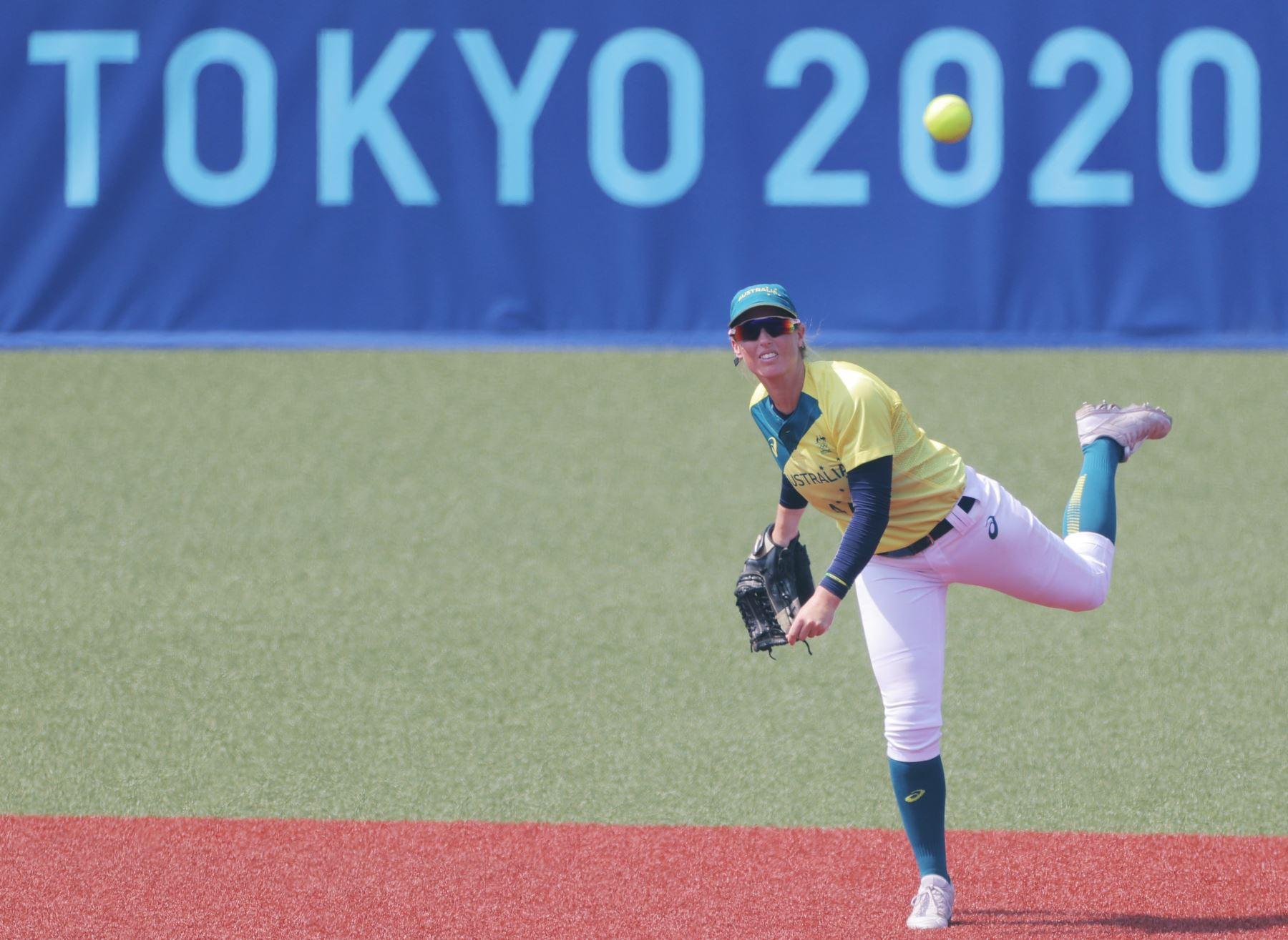 Japón abre los Juegos Olímpicos con triunfo 8-1 ante Australia en el sóftbol