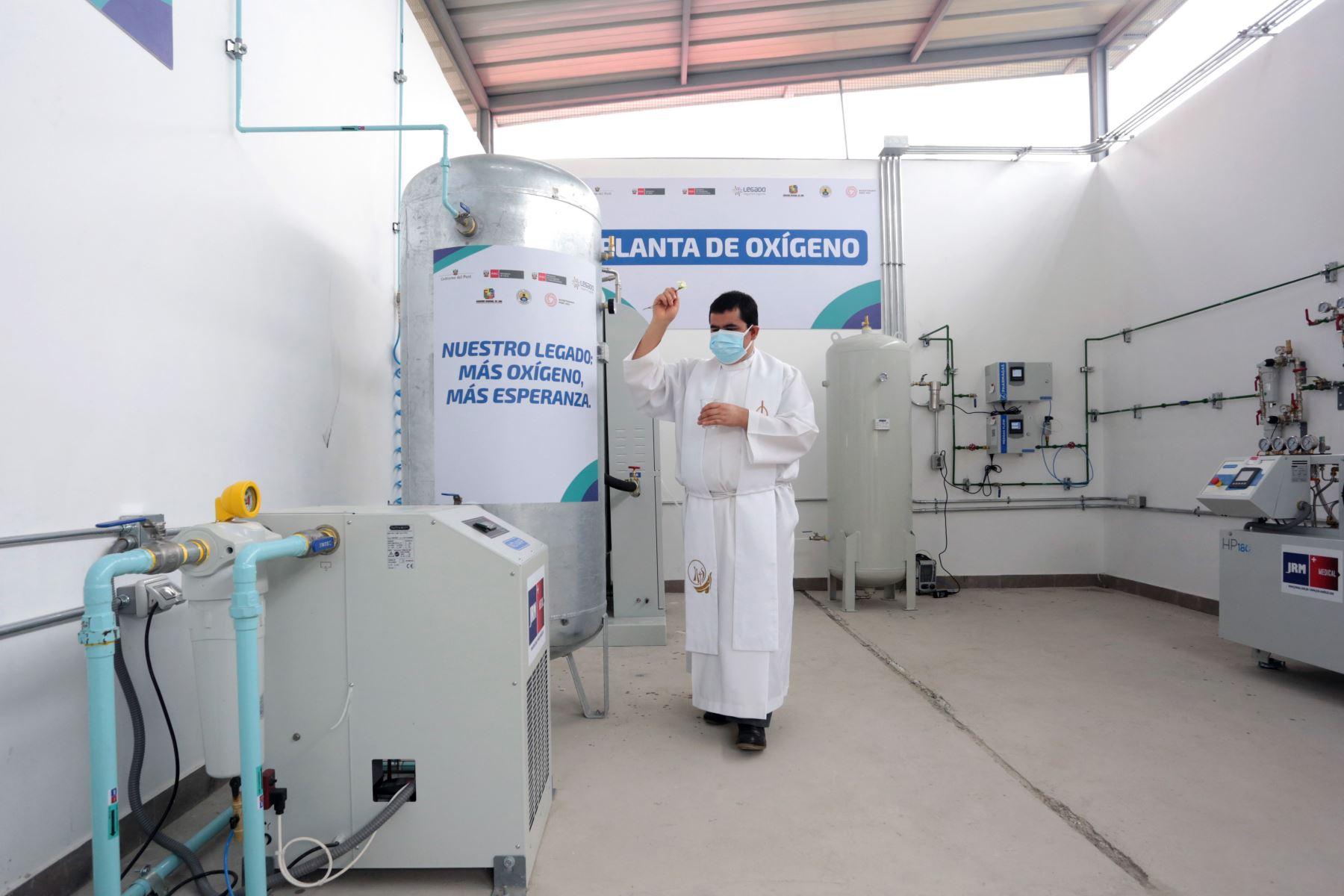 El Proyecto Especial Legado Juegos Panamericanos y Parapanamericanos puso en funcionamiento, una moderna planta de oxígeno medicinal traída desde Francia para el Hospital Regional de Huacho. Foto: Legado