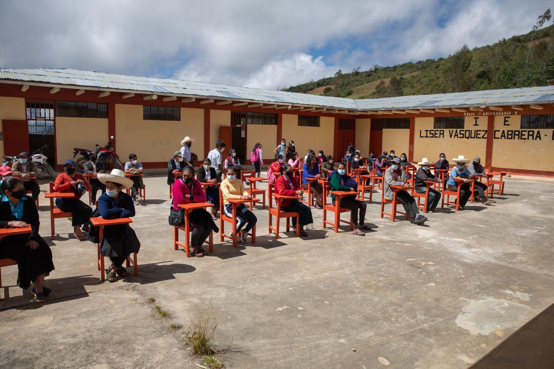 Escolares en la localidad de Puña, distrito de Tacabamba, en Cajamarca. Foto: ANDINA/Andrés Valle