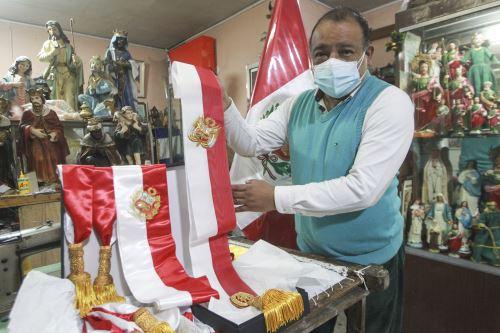 Así se confeccionó la banda presidencial que usará el presidente electo Pedro Castillo