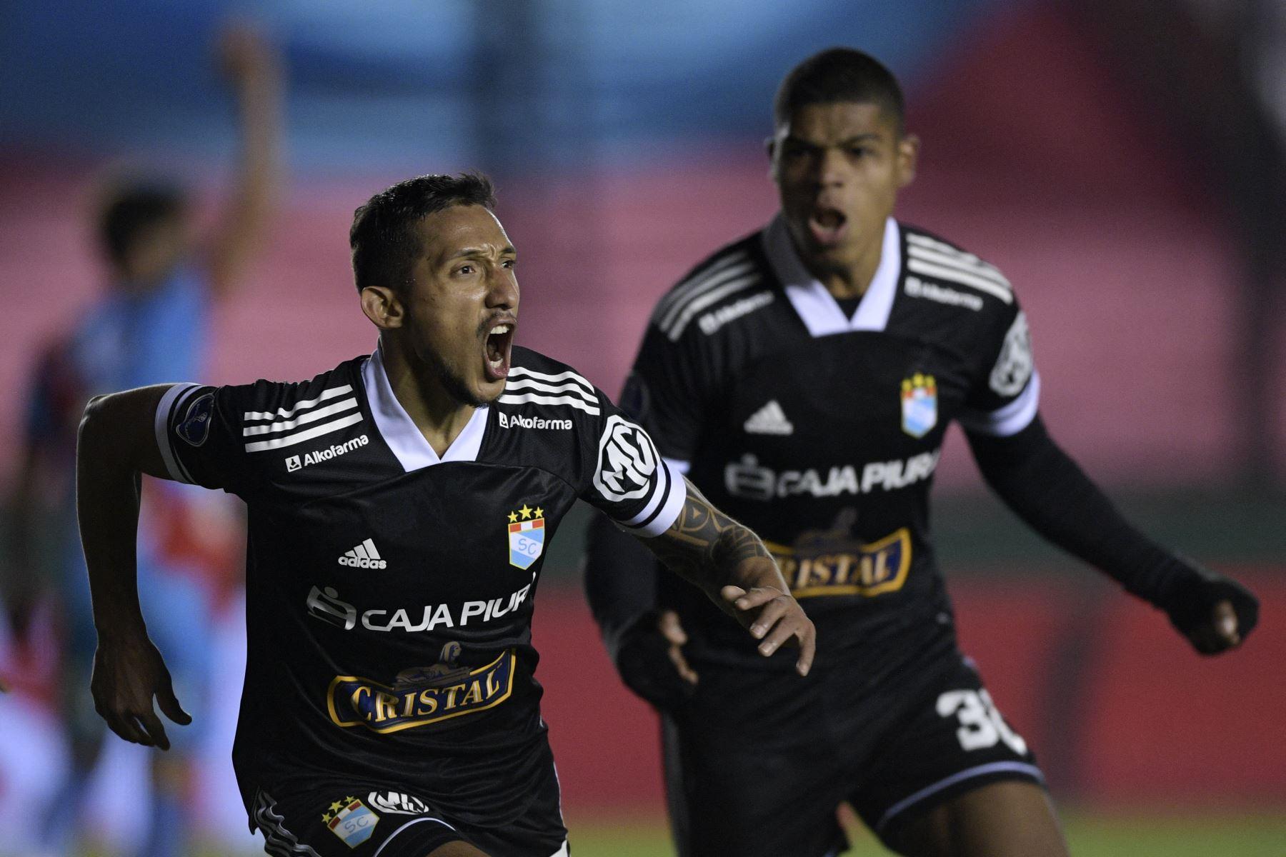 En los cuartos de final, Sporting Cristal se enfrentará con el ganador del clásico uruguayo entre Nacional y Peñarol. Foto: AFP.
