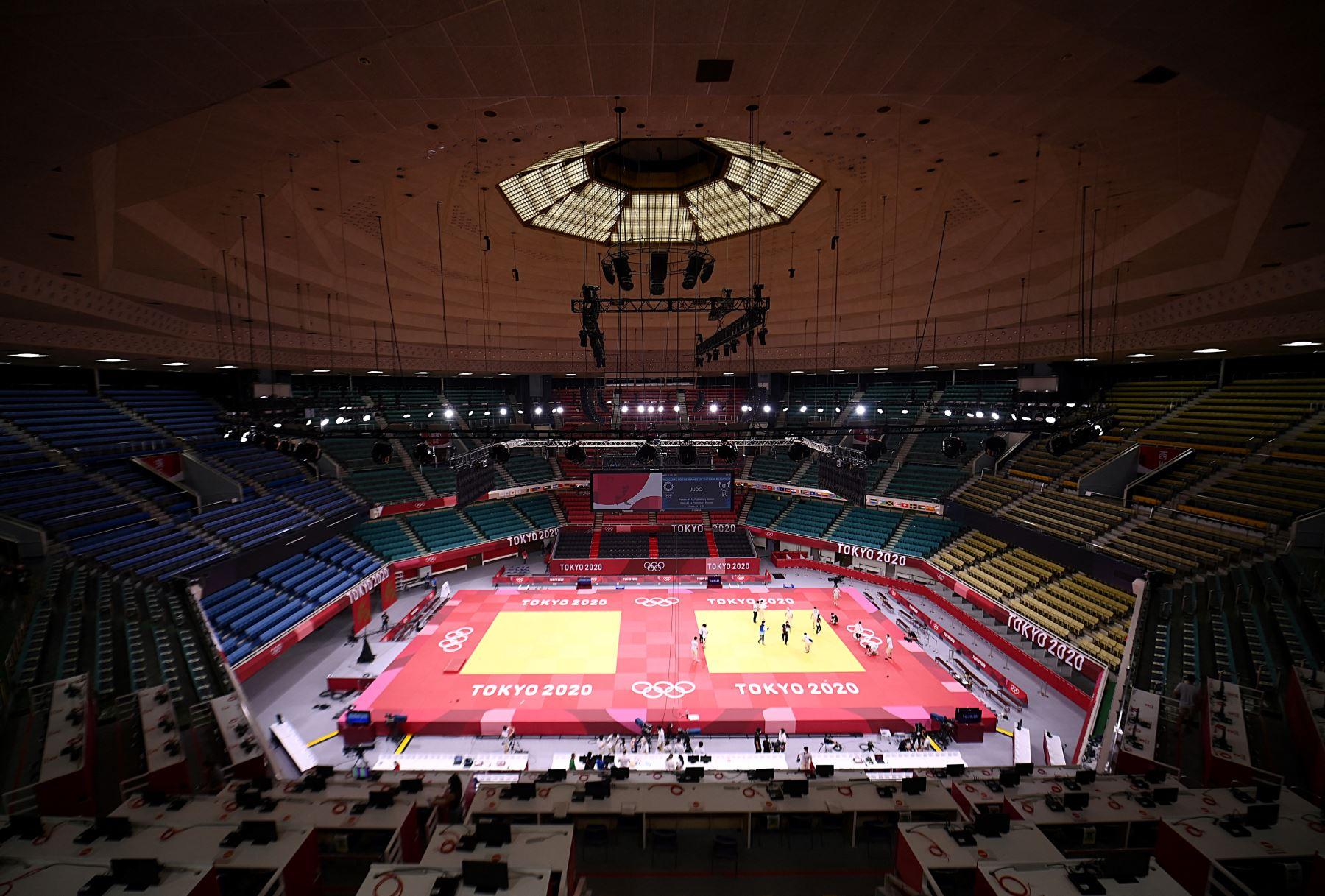 Una vista general muestra la sede del Nippon Budokan para los eventos de judo y kárate durante los Juegos Olímpicos de Tokio. Foto: AFP