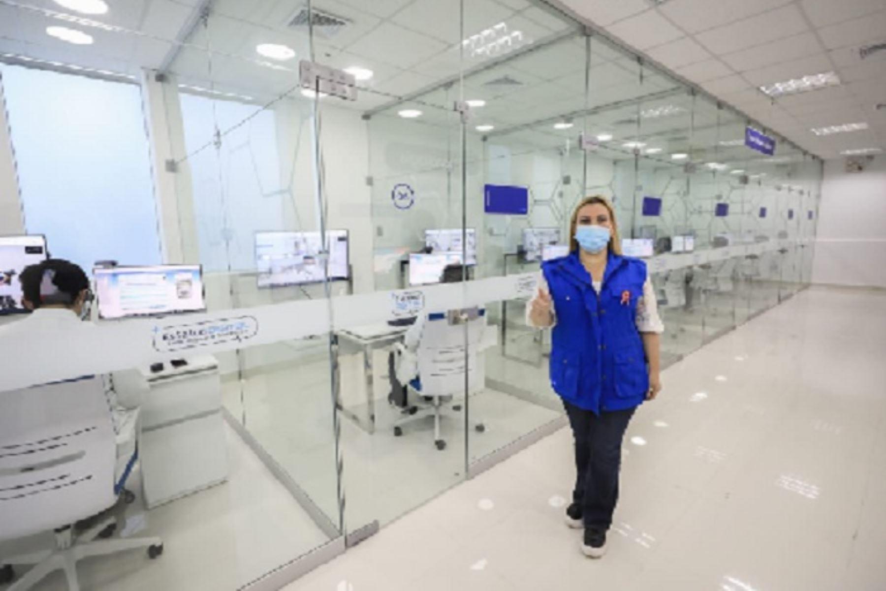 La presidenta de Essalud, Fiorella Molinelli, supervisó también la puesta en funcionamiento de 4 plantas de oxígeno, con la que suman 10 en la región.