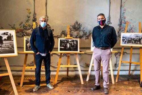 """Inauguran muestra fotográfica """"Los Morochucos"""" del artista Antonio Martínez."""