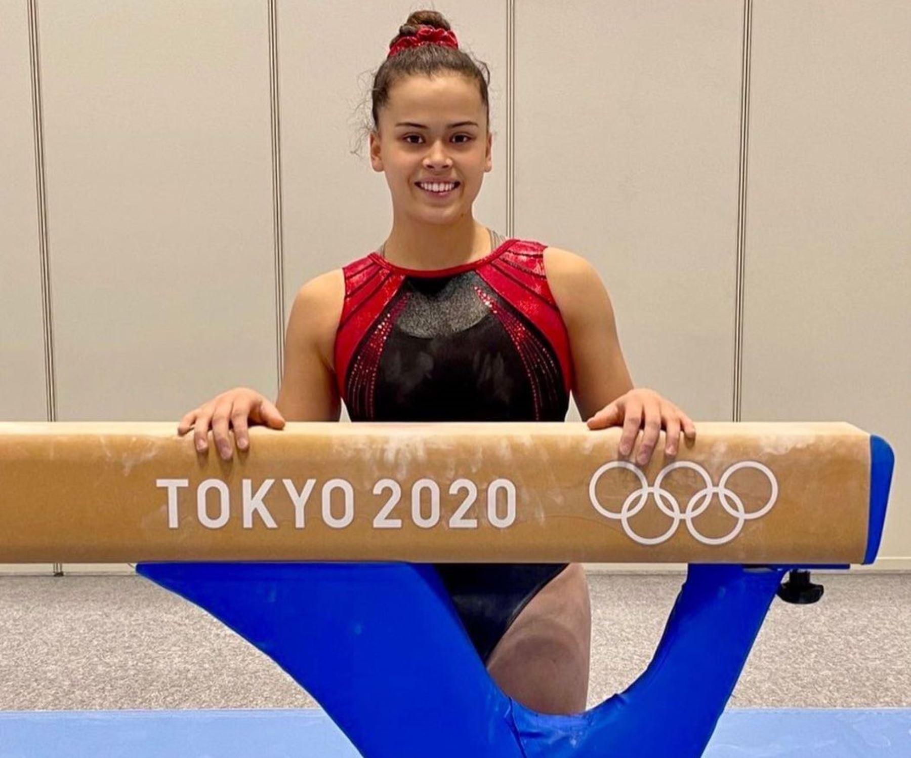 Ariana Orrego sale a competir hoy en gimnasia.