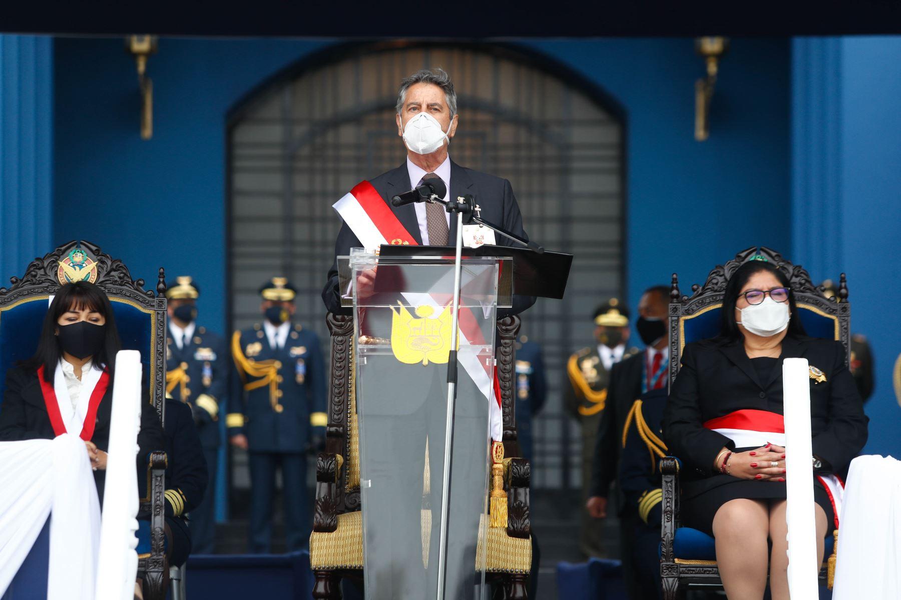 El presidente Francisco Sagasti participa en la ceremonia por el Día de la Fuerza Aérea del Perú y el 80° aniversario de la inmolación del héroe nacional capitán FAP José Abelardo Quiñones Gonzáles. Foto: ANDINA/ Prensa Presidencia