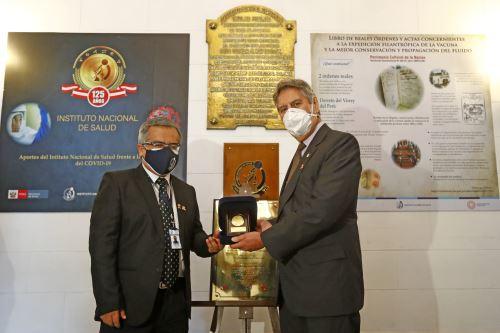 El Presidente Francisco Sagasti participa en la ceremonia por el 125º aniversario del Instituto Nacional de Salud