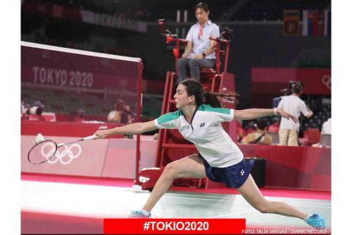 Peruana Daniela Macías debutó en los Juegos Olímpicos contra la tailandesa Ongbamrungphan en Bádminton