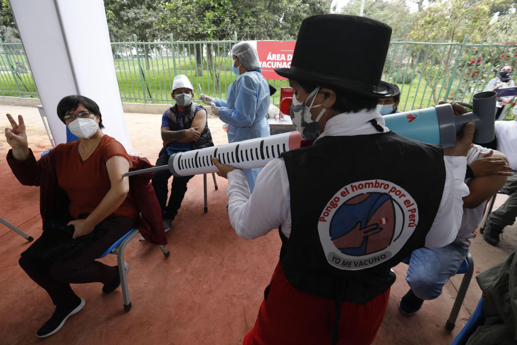 Ministerio de Salud inició la tercera Vacunatón contra la COVID-19, se empezó a inmunización a los adolescentes desde los 12 años con comorbilidades vulnerables a la pandemia. Foto: ANDINA/Minsa
