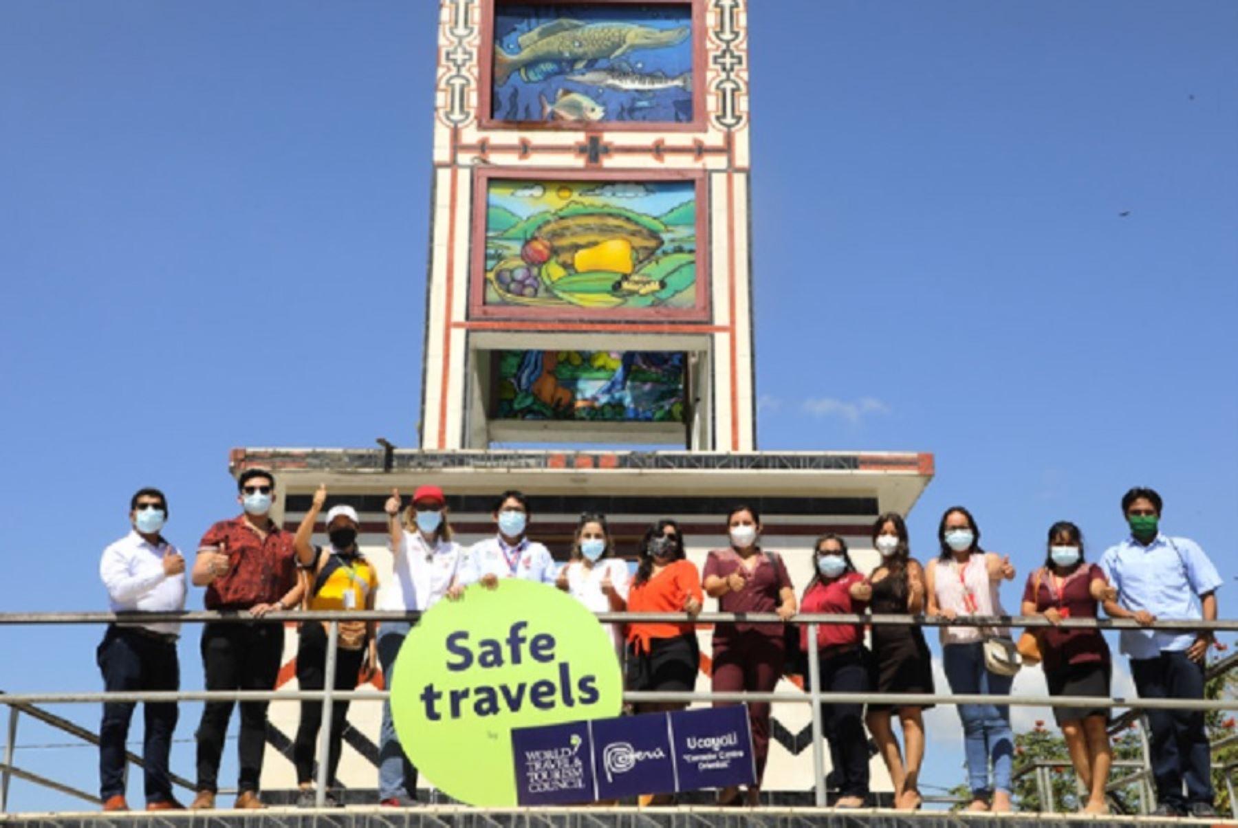 """El Ministerio de Comercio Exterior y Turismo (Mincetur) entregó el sello internacional Safe Travels al destino Ucayali """"Corredor Centro Oriental"""", con lo cual se garantiza el cumplimiento de todas las medidas de bioseguridad para los turistas que deseen visitar esta importante zona turística del oriente peruano."""