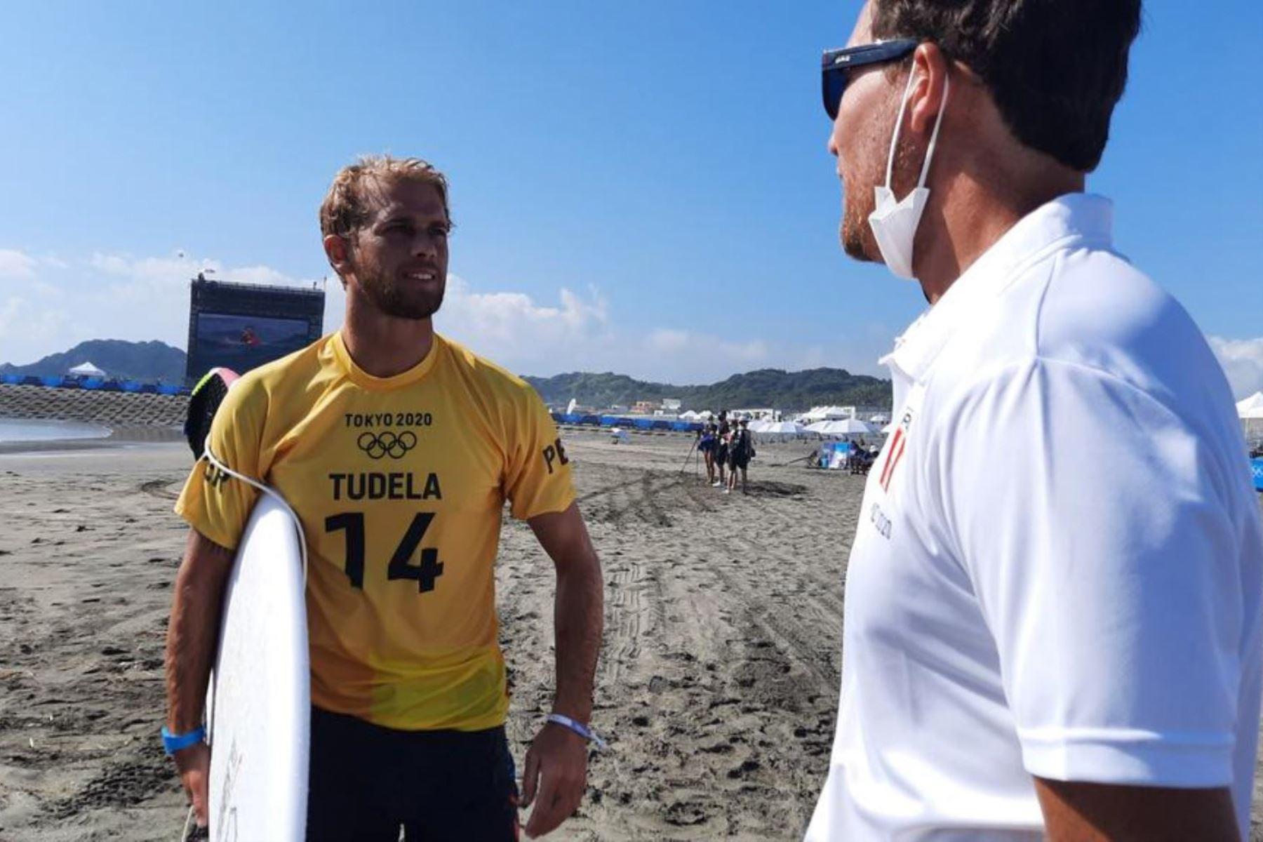 Miguel Tudela tuvo buen accionar en el debut del surf.