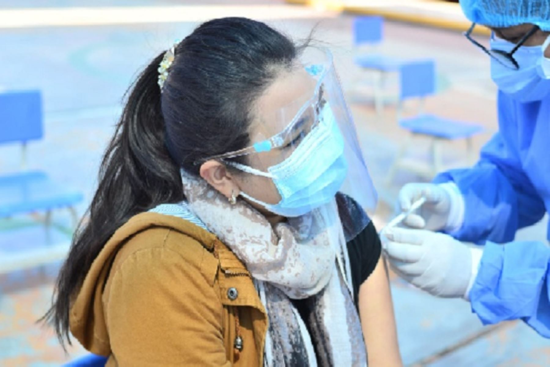 Tacna agiliza vacunación contra la covid-19 a ciudadanos de 28 años a más