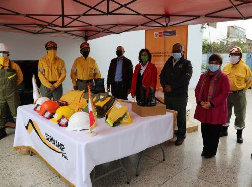 España dona valiosos equipos a Sernanp para combatir incendios forestales.