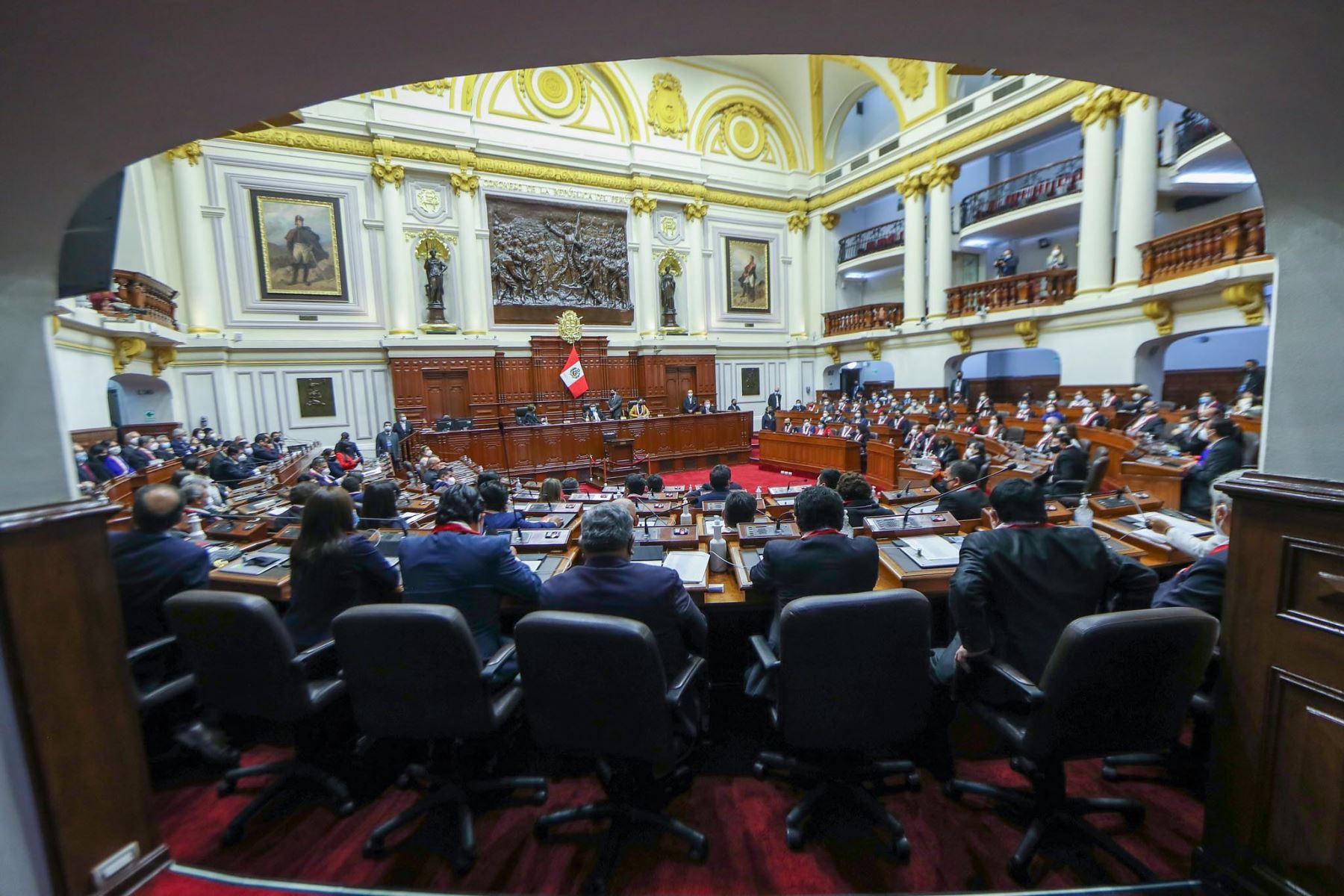 En el hemiciclo del Congreso se inició la sesión plenaria que elegirá a los integrantes de la Mesa Directiva para el periodo legislativo 2021-2022.
