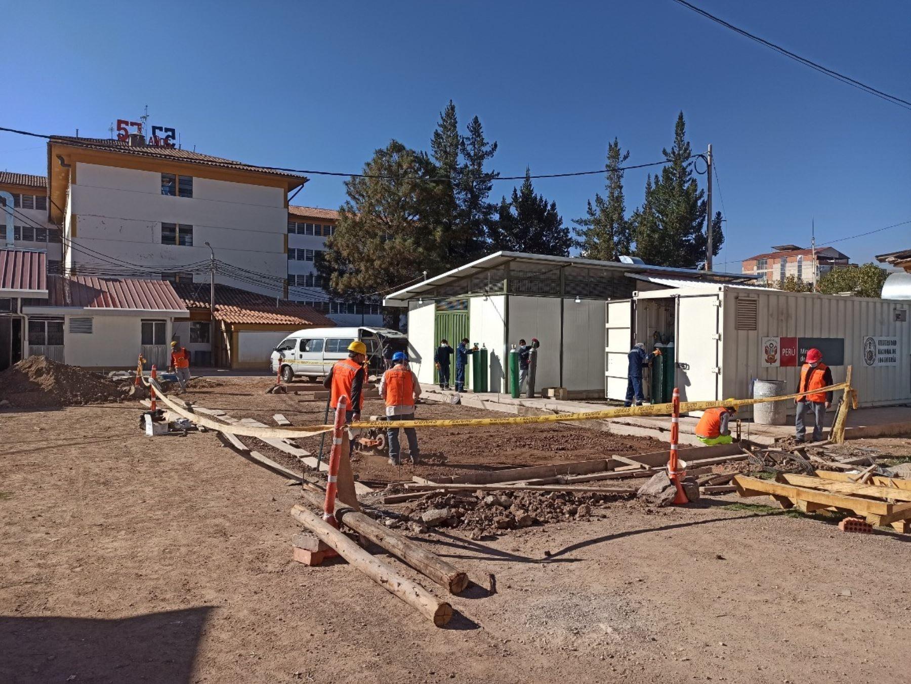 Inician trabajos para la instalación de tercera planta de oxígeno medicinal en Hospital Regional de Cusco ante una eventual tercera ola de la enfermedad. ANDINA/Difusión