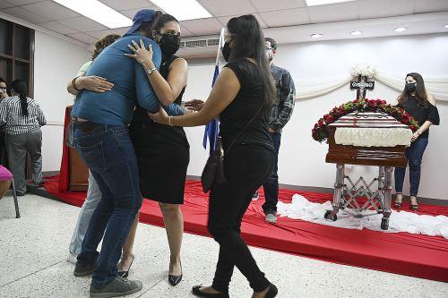 Echevarría fue asesinada en la víspera por al menos cuatro hombres y una mujer armados que ingresaron a su residencia en Tegucigalpa. Foto: AFP