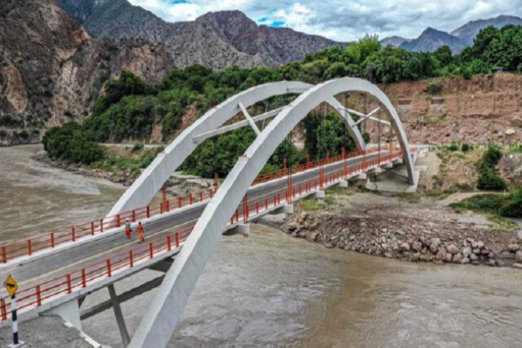 El MTC, por medio de Provías Nacional, ejecutó los puentes Santa María de Nieva y Chacanto, en beneficio de la región Amazonas.